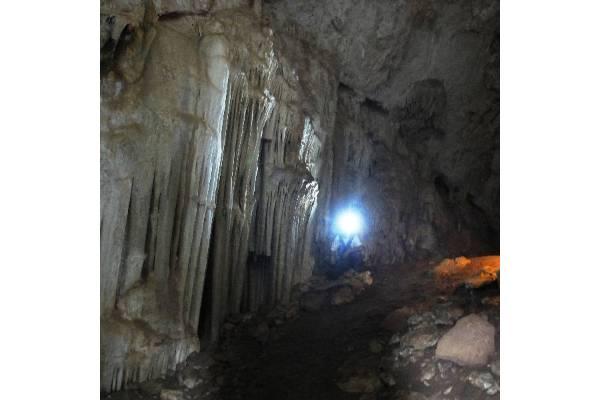 Scavo-in-grotta-tirocinio-2014-SN-Antropologia