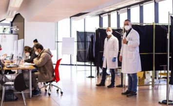 """Vaccinazione anti Covid: proseguono al Campus di Viale delle Scienze i V-Days di UniPa in collaborazione con AOU Policlinico """"Paolo Giaccone"""""""